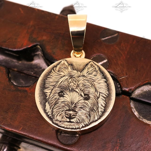 9ct yellow gold pendant, 25mm wide, 4mm thick, engraved with a west highland terrier, westie